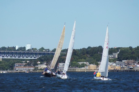 Sail Racing at Thames Yacht Club