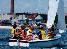 CBC students enjoy a sail on Buzzards Bay. © communityboating.org.