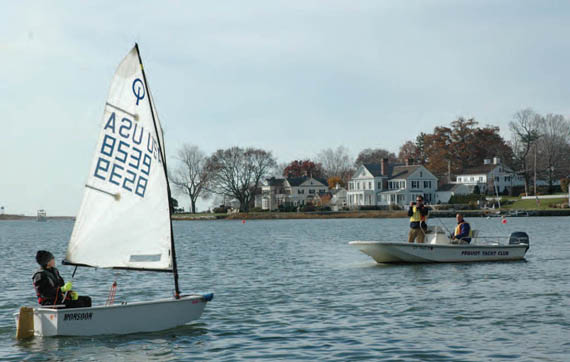 https://windcheckmagazine.com/app/uploads/2019/01/pequot_yatch_club_optimist_sailor-1.jpg