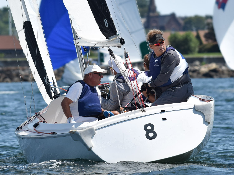 Noroton Reclaims Top Spot at Hinman Team Race